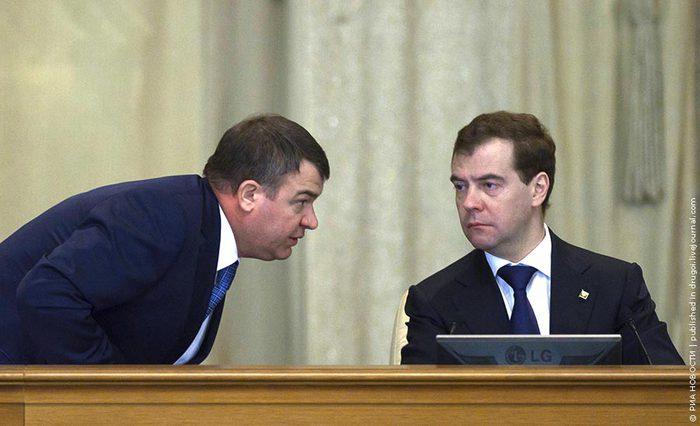 Отставка Сердюкова: что это было?