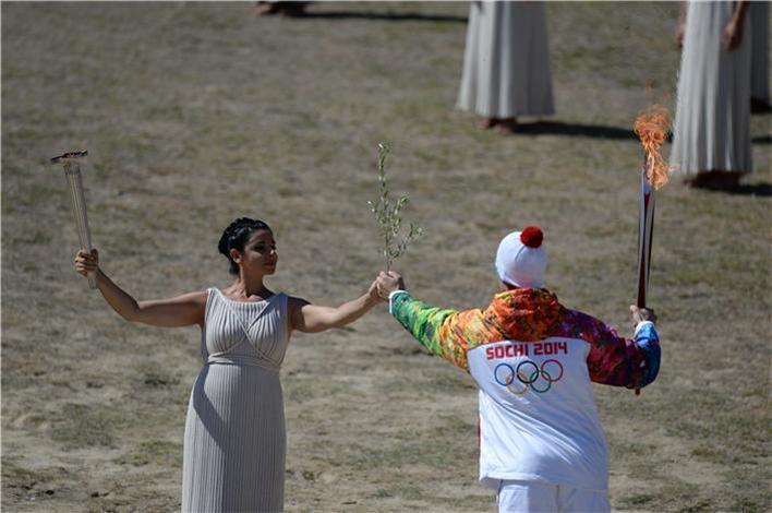 Олимпийский огонь потух во время эстафеты