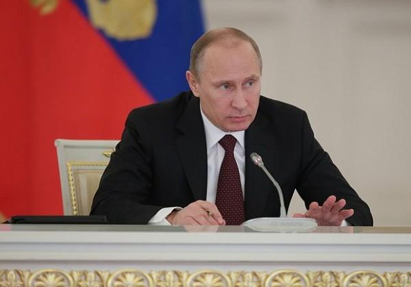 Песков: Путин пока не принял решение о введении войск