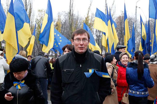 «Беркут» избил экс-министра Луценко, он в реанимации