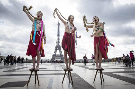 Femen protest in Paris