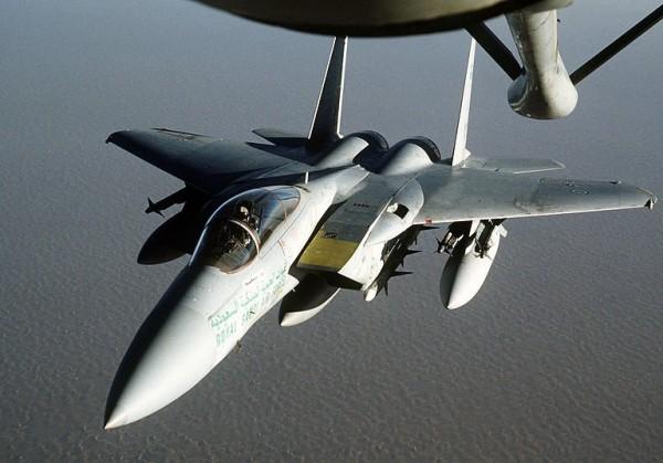 Пентагон отправил шесть истребителей в Прибалтику и группу летчиков в Польшу