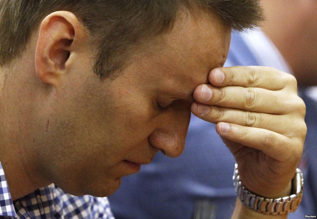 ФСИН надела на Навального электронный браслет