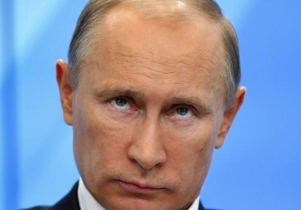 Рейтинг Путина достиг трехлетнего максимума на новостях из Крыма