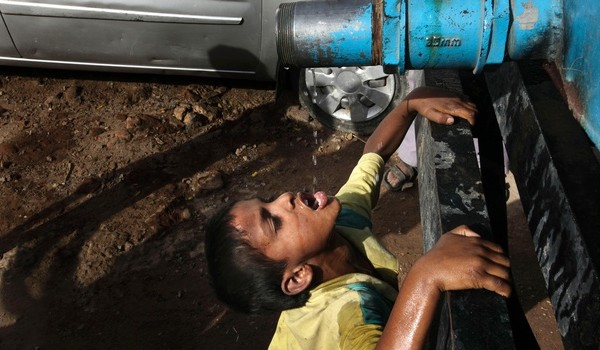 http://medialeaks.ru/wp-content/uploads/2014/04/APTOPIX-India-Water-S_Siva-600x350.jpg