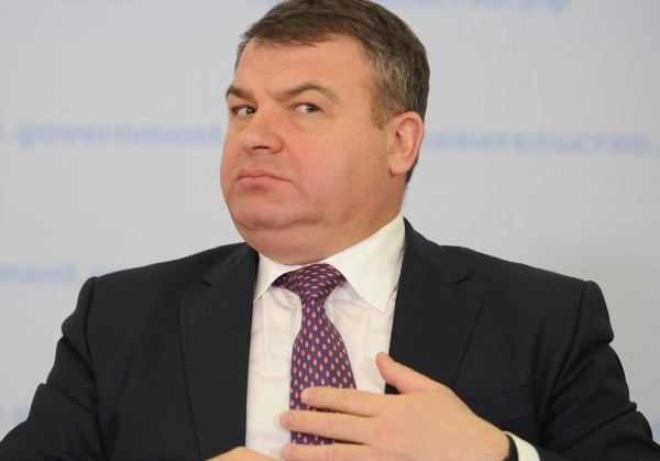 СК закрыл уголовное дело против Сердюкова