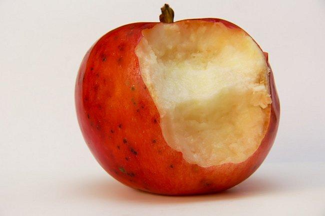 """Результат пошуку зображень за запитом """"надкушене яблуко"""""""