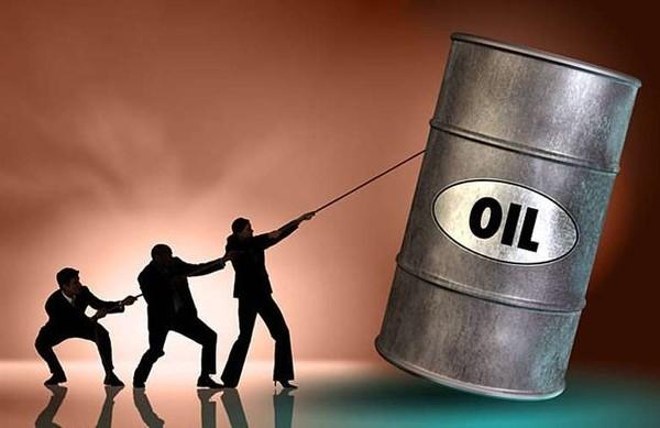 Нефть дешевеет. Мадуро обвинил США в нефтяной войне против России