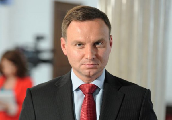 На выборах президента Польши побеждает сторонник Качиньских