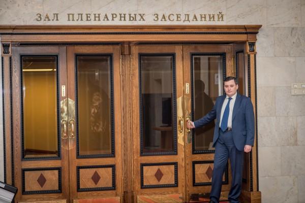 Депутат Хинштейн предложил использовать заключенных на стройке объектов ЧМ по футболу