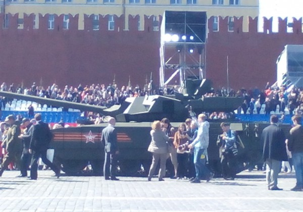 Поклонники и враги «Арматы». Как новый танк встретили в России, на Западе и в соцсетях
