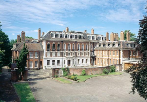 New Yorker назвал экс-сенатора Гурьева владельцем крупнейшего особняка в Лондоне