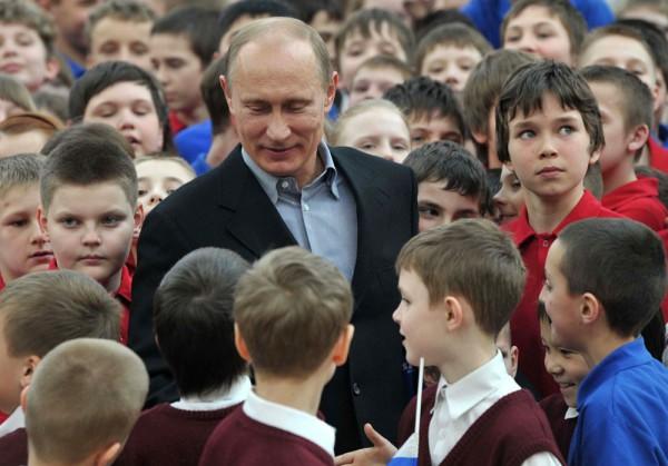 Детский мир Путина: удачи и провалы президента в общении с детьми