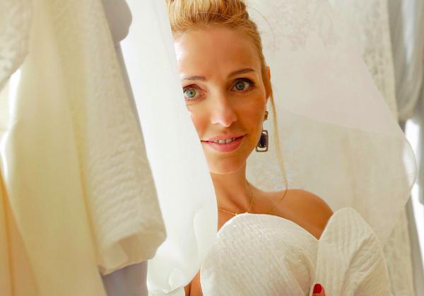 Татьяна Навка объявила о свадьбе с Песковым и рассказала о платье