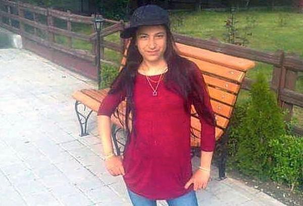 Девушка умерла на солнцепеке в очереди к бесплатному wi-fi