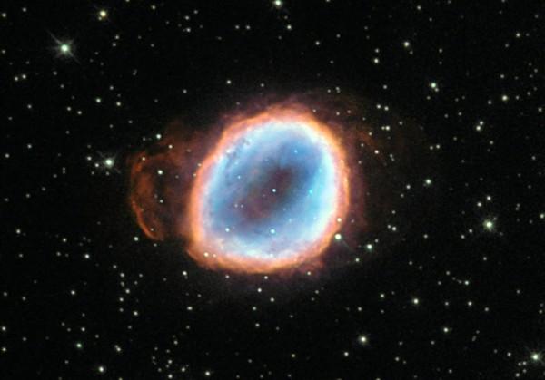 Телескоп Hubble сфотографировал процесс гибели звезды