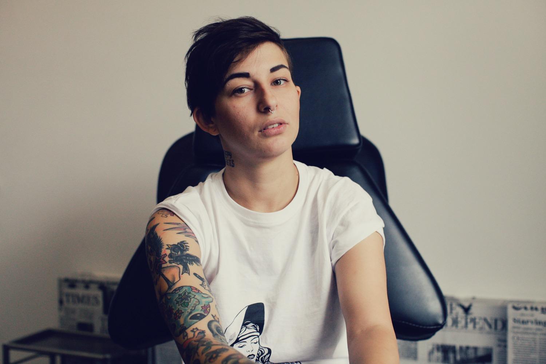 фото голых татуированных девочек