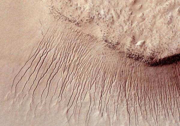 Ученых NASA ответили на вопросы пользователей Reddit о жидкой воде на Марсе