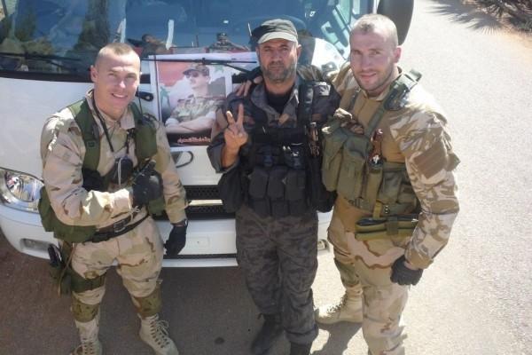 «Форму выдадут, но она стремная». Как русские добровольцы едут в Сирию