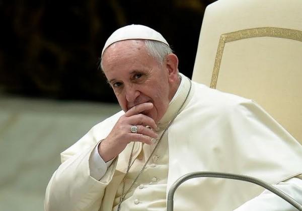 СМИ спорят с Ватиканом о якобы обнаруженном у Папы Римского раке мозга