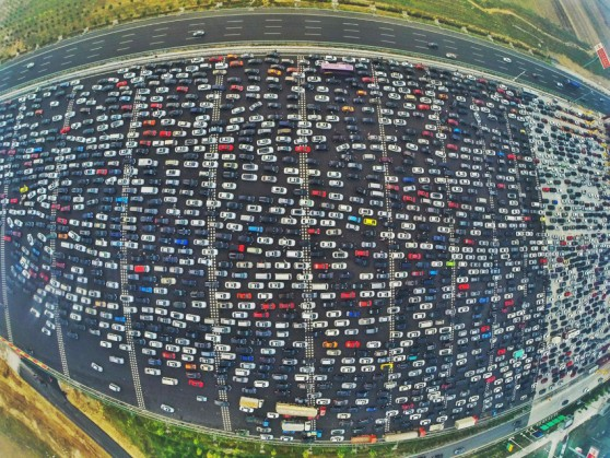 OCTOBER 06, 2015 - Beijing, China - An aerial view of cars queuing up to pass a checkpoint set recently in the direction of Beijing on the Beijing-Hong Kong-Macau Expressway at the end of National Day Holiday in Beijing, China. (Credit Image: © Whitehotpix via ZUMA Press)