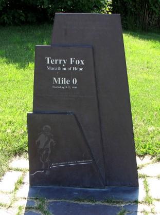 800px-Terry_Fox_memorial,_St._John's