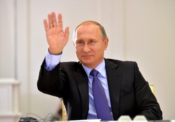 Как Чаушеску. Как соцсети встречают новый рейтинг Путина около 90 %