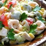 Жительница Мурманска отравилась салатом со спермой шести мужчин