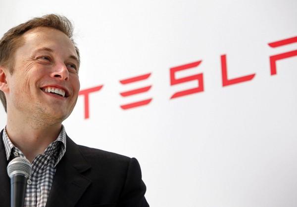 Илон Маск победил другого поклонника изобретателя Николы Тесла