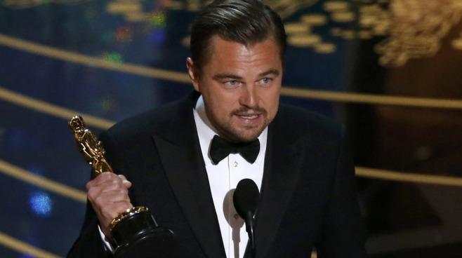 «Бесполезная железяка». Как соцсети не порадовались за Ди Каприо и его «Оскар»