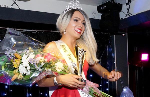 «Недостаточно трансгендерная». Победительницу конкурса красоты для трансгендеров лишили титула из-за трусов