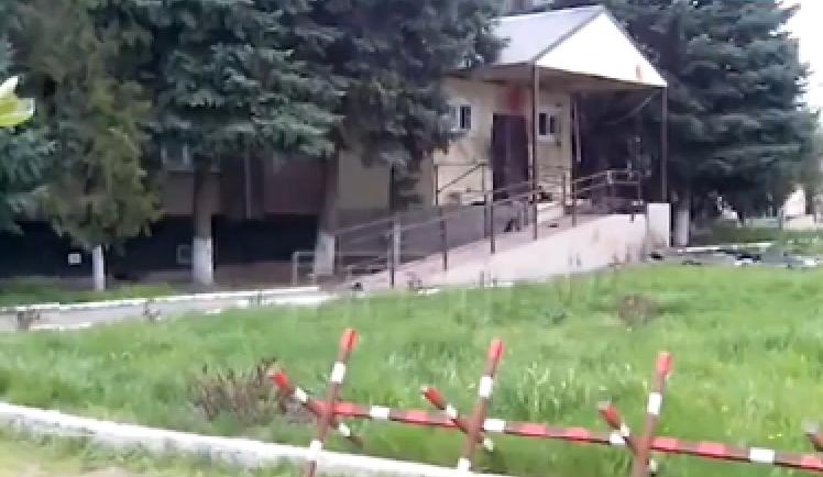 «Головы, туловища, орёт сирена». Смертники напали на отдел МВД в Ставрополье