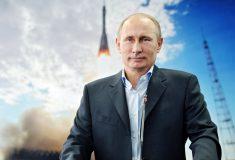 «Путин был пробрифингован». Соцсети высмеяли Пескова за выдуманное слово