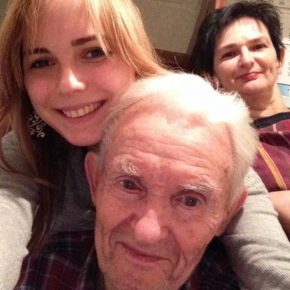 Дедушка с девушкой истории смотреть онлайн в hd 720 качестве  фотоография