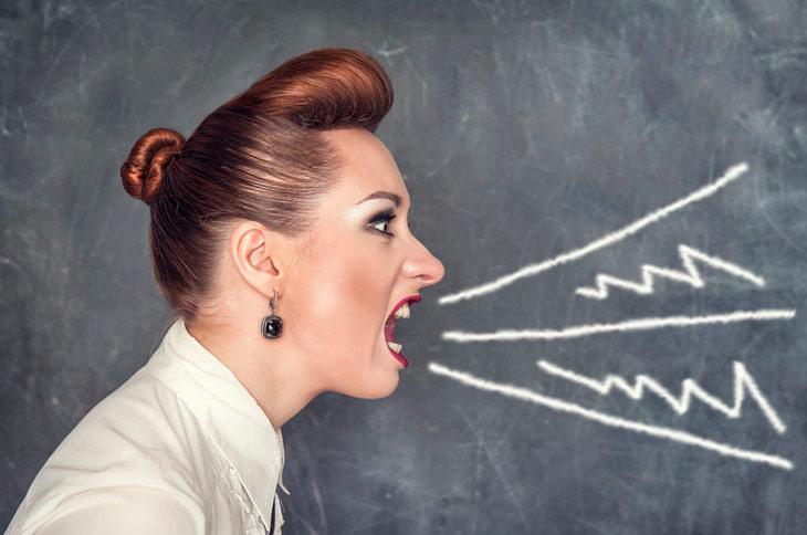 Взрослых учительниц грубо в жопу
