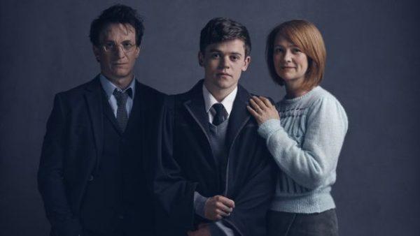 Гарри, его сын Альбус и Джинни