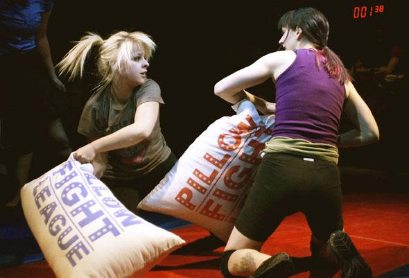 torontos pillow fighting league - 590×401