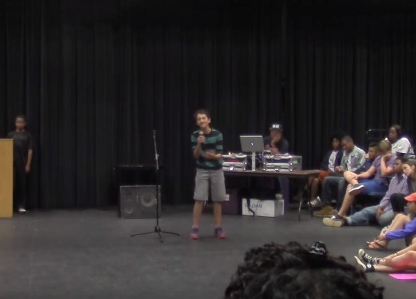 «Привилегии белого мальчика». Американцы поддержали школьника в борьбе против расизма