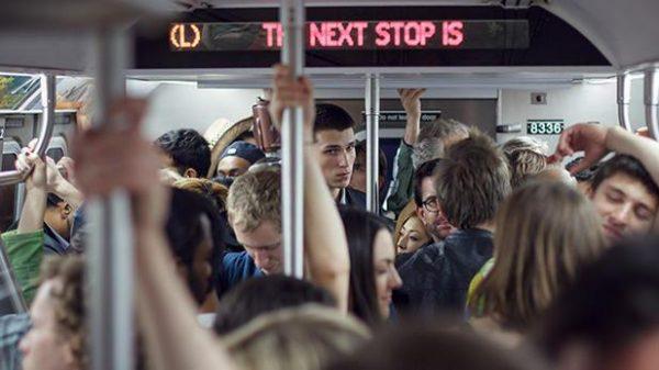 Вылизывает порно онлайн трение о женщин в автобусе грубо