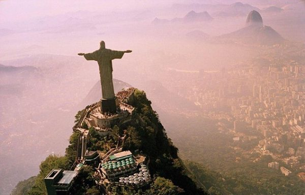 290136F100000578-3093963-Rio_de_Janeiro_is_a_popular_spot_with_tourists_with_the_Christ_t-a-32_1432382543273