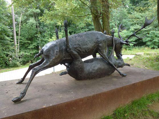 ugly-sculptures-4-57c5319126df8__700