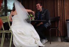 «В общем, я пошёл». Блогер ходила на первые свидания в Tinder в свадебном платье