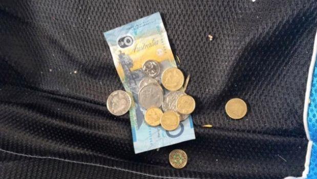 «Я бы сказал спасибо». В Австралии вор помог хозяину машины сэкономить на сервисе и оставил деньги