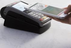 В России заработала система Apple Pay