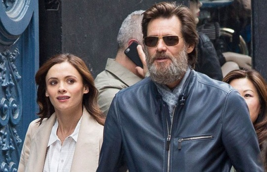 51746747 'The Bad Batch' actor Jim Carrey spotted out with a mystery woman in New York City, New York on May 18, 2015. The pair held hands as they made their way down the street. **NO AUSTRALIA OR NEW ZEALAND** 'The Bad Batch' actor Jim Carrey spotted out with a mystery woman in New York City, New York on May 18, 2015. The pair held hands as they made their way down the street. FameFlynet, Inc - Beverly Hills, CA, USA - +1 (818) 307-4813 RESTRICTIONS APPLY: NO AUSTRALIA