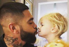 Подписчиков Тимати возмутила фотография его двухлетней дочери с пистолетом