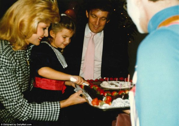 3a29266100000578-3913524-ivanka_cuts_the_cake_at_her_birthday_celebration_chocolate_with_-a-20_1478645616396