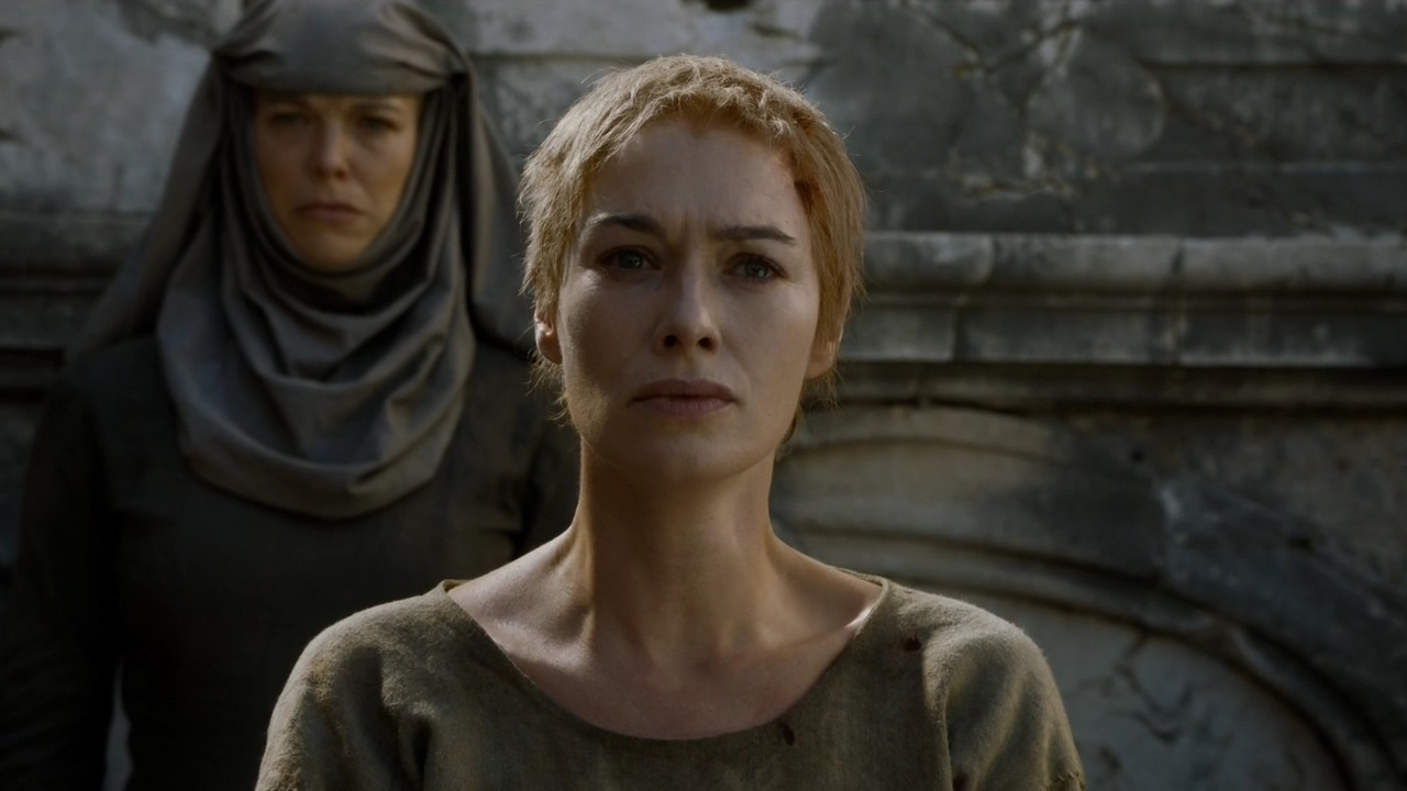 «Слышите, как плачут дельфины?» Актёры «Игры престолов» повторили сцену с путём позора в неожиданной рекламе
