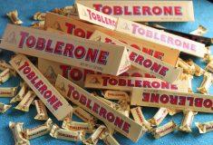 «Я больше не узнаю эту страну». Британцы скорбят из-за нового дизайна Toblerone