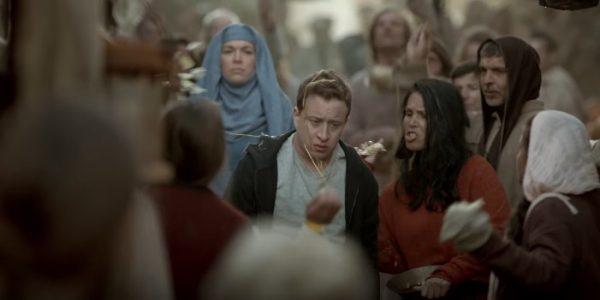 Актeры из«Игры престолов» повторили сцену изсериала для рекламы